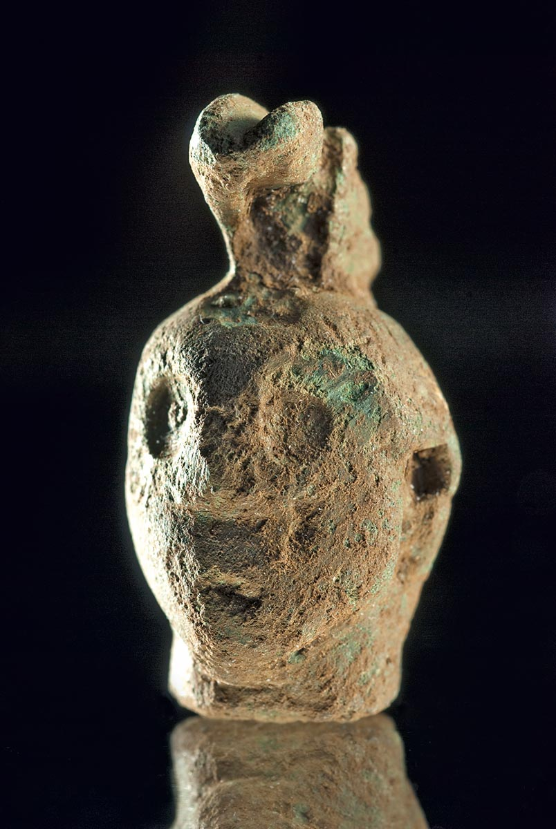 Head of a statuette of Mars, showing the presence of the Romans, 200 years after the Celts at the Heidengraben (C. Schwarzer, LAD, RP Stuttgart).